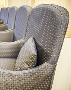comfortable chairs with cushions