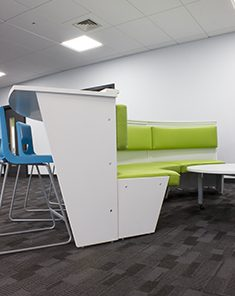 Curved seating unit